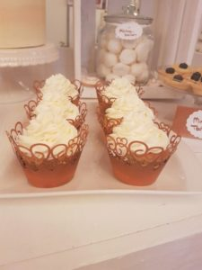 sweet table cupcakes