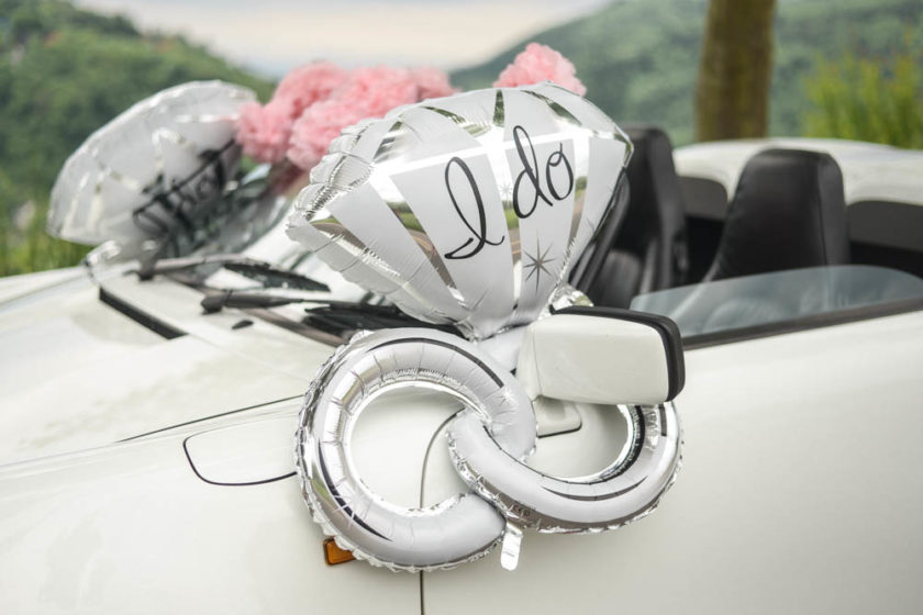 Autoschmuck für die Hochzeit